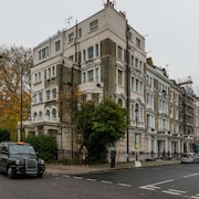 Traditional 1BR Flat in Notting Hill