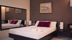 In-room safe, rollaway beds, linens, wheelchair access
