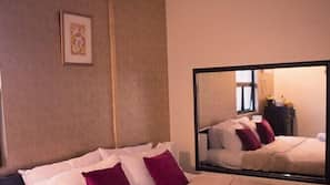 In-room safe, rollaway beds, bed sheets, wheelchair access