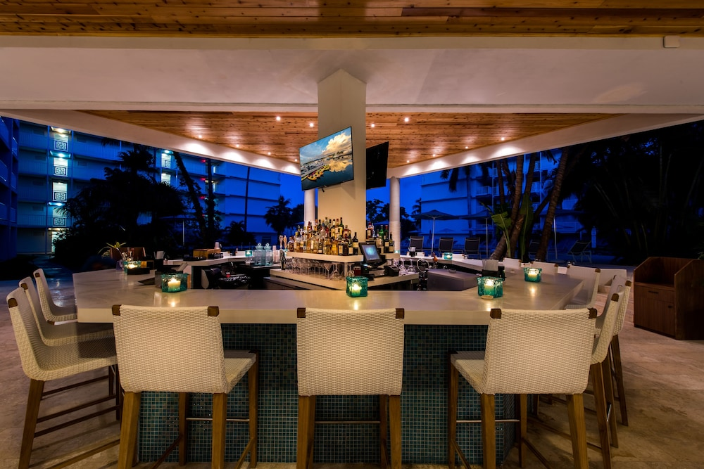 Bar, Margaritaville Grand Cayman All Inclusive