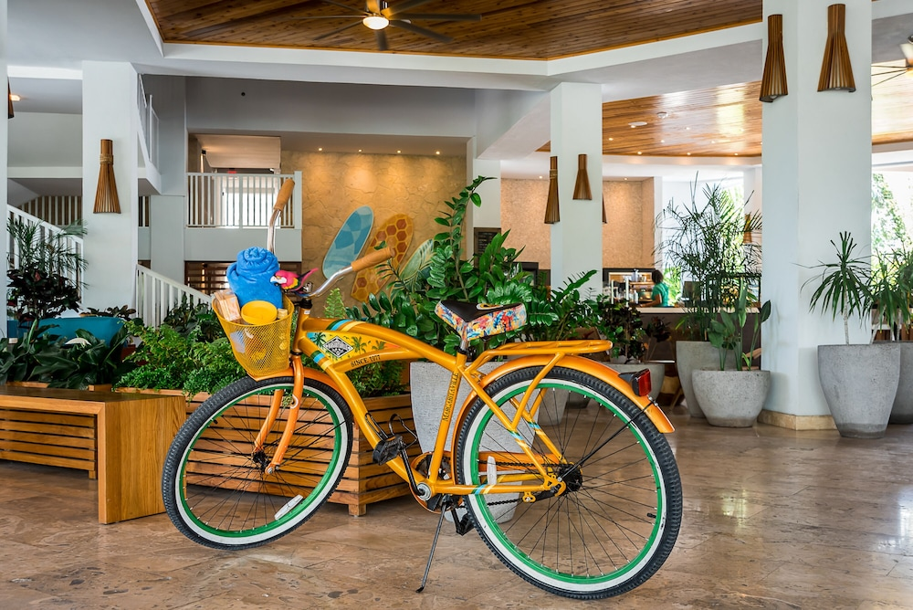 Bicycling, Margaritaville Grand Cayman All Inclusive