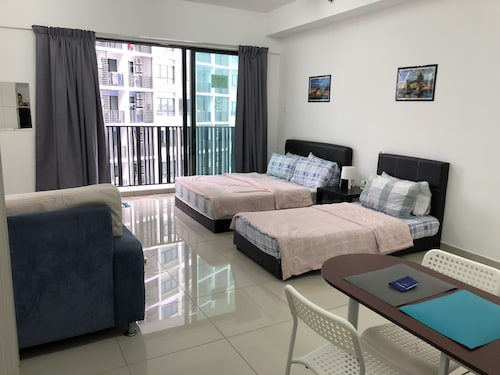 I-City I-Soho Chamey Homestay Condo