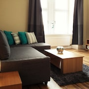 2 Bedroom Character Apartment Finnieston