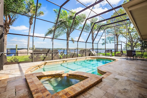 Free Pool Toys Sunrise ON Lake Tarpon 4 BED 3.5 Bath Lake Front Vacation Pool Home