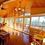 Martin Ridge: 4 BR / 3 BA Plus REC Salon W / Table DE Piscine, Ping Pong, Football ET AIR Hockey- Vues Superbe Depuis LE Pont
