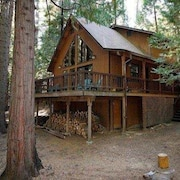 Sherwood Bear Cabin- Private Setting