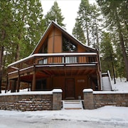 Kevkos: 3br/2.5ba Classic Chalet IN BIG Trees Village W/rec Amenities, REC Room W/pool Table, Close TO Bear Valley- PET Friendly