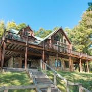 Lakefront Home W/dock Slip, Hot Tub, Fire Pit, & Game Tables!
