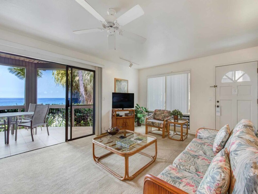 Watch Waves From Lanai W/wet Bar! Full Kitchen: 2018 Room Prices ...