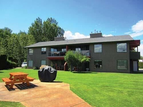 Great Place to stay Holiday Park Resort - One Bedroom near Kelowna
