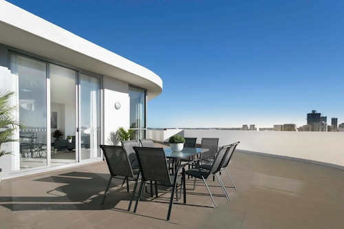 Palatial Penthouse Apartment - Phenomenal Views