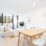 Spacious Family Apartment at Dee Why Beach