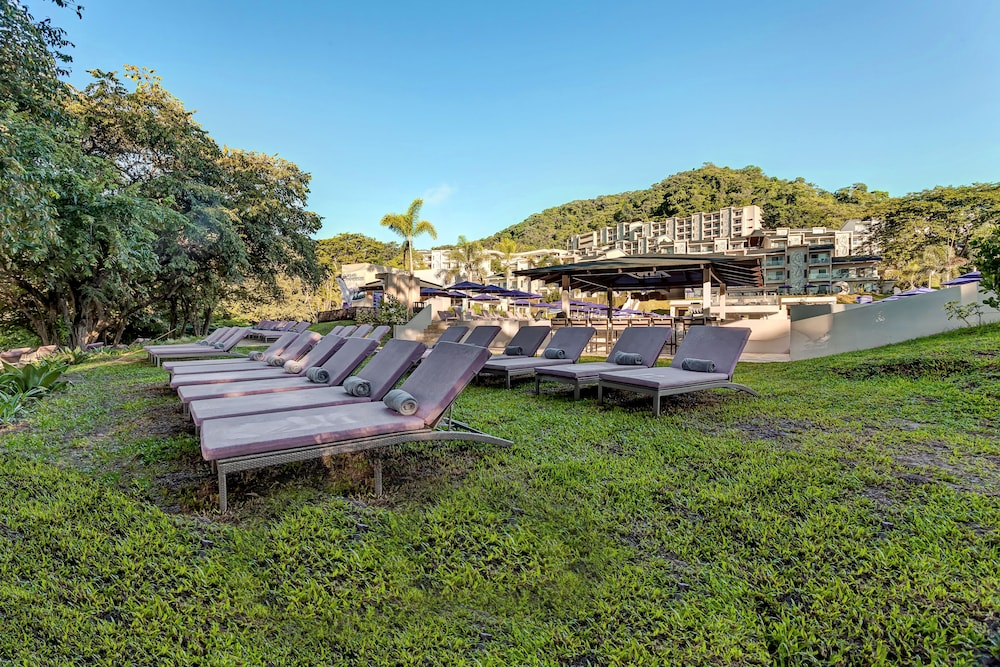Garden, Planet Hollywood Beach Resort Costa Rica - All Inclusive