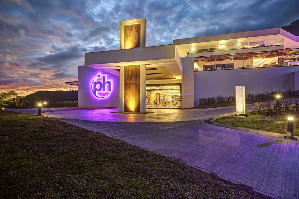 Front of Property - Evening/Night, Planet Hollywood Beach Resort Costa Rica - All Inclusive