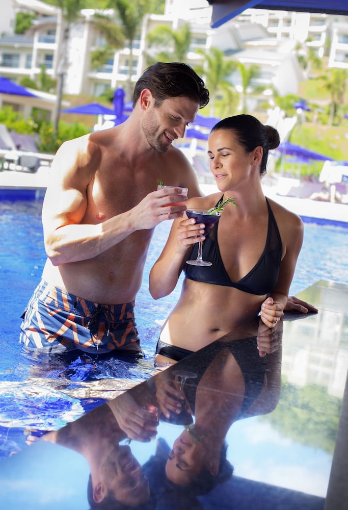 Poolside Bar, Planet Hollywood Beach Resort Costa Rica - All Inclusive