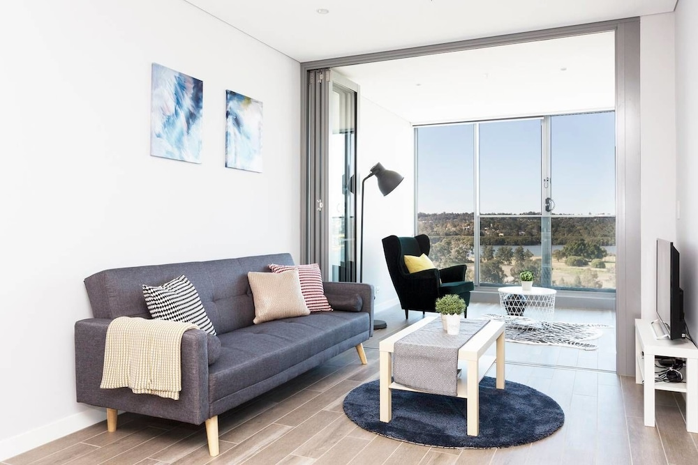 Two Bedroom Designer Apartment + Rooftop Courtyard, Sydney ...