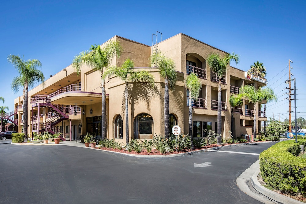 Property Entrance, Laguna Hills Inn by Irvine Spectrum