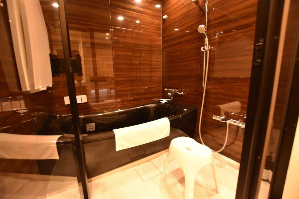 Jetted Tub, Randor Residence Tokyo Suites
