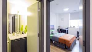 1 bedroom, desk, free WiFi, wheelchair access