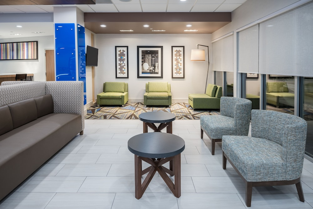 Lobby, Holiday Inn Express & Suites Sugar Land SE - Missouri City