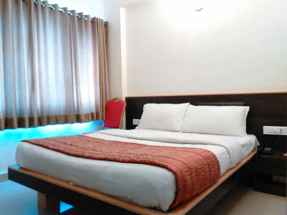Hotel Sivaranjani Deals & Reviews (Erode, IND) | Wotif