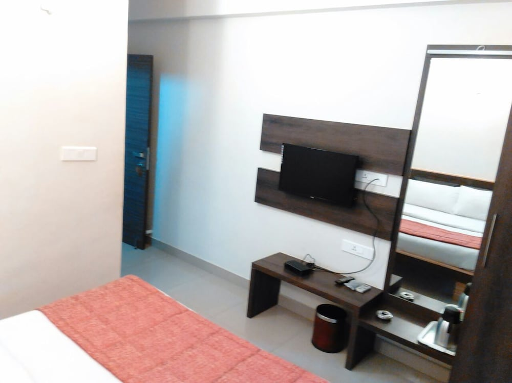 Hotel Sivaranjani Deals & Reviews (Erode, IND) | Wotif