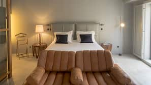 Premium bedding, down duvets, in-room safe, blackout curtains