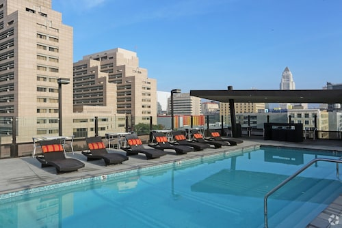 Check Expedia for Availability of Downtown Los Angeles Condos