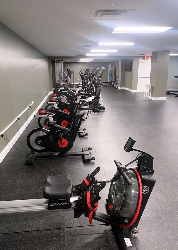 Gym, Global Luxury Suites Downtown Pittsburgh