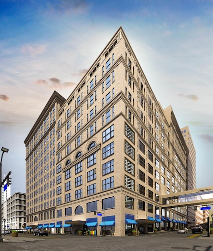 Check Expedia for Availability of Global Luxury Suites Downtown Pittsburgh