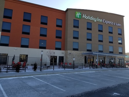 Holiday Inn Express & Suites Colorado Springs AFA Northgate