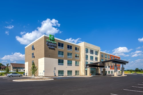 Holiday Inn Express & Suites Reedsville - State Coll Area, an IHG Hotel