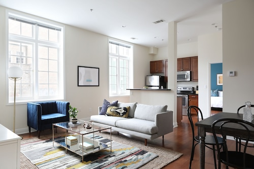 Check Expedia for Availability of Smart 1BR in Arts/Warehouse District by Sonder