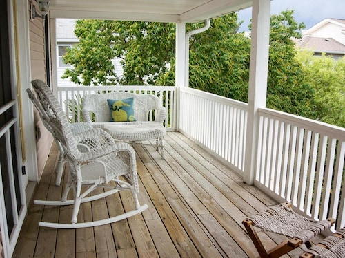 Great Place to stay Close to the Beach With Outdoor Dining Area and Elevator near Tybee Island