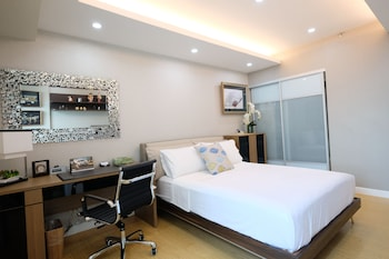 Boutique Condo by StayHome Asia