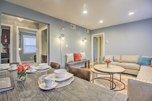 'DC Charm' Condo - Just Minutes to Capitol Hill!