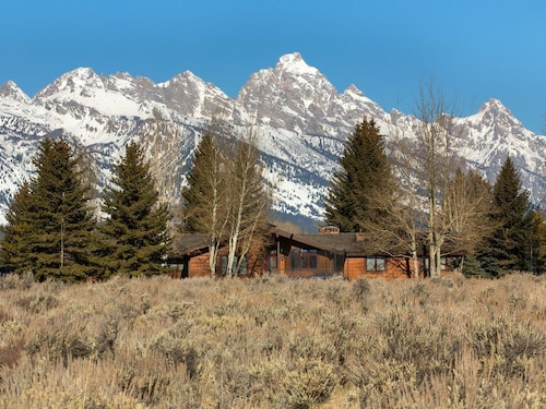 All Season Retreat! Grand Teton National Park With Teton Views