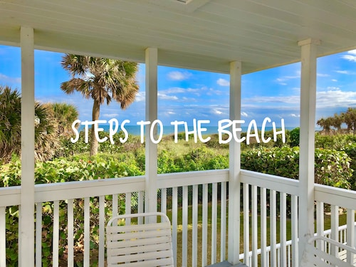 Oceanfront Building Only Steps to Beach, Pool & hot Tub! Ground Floor With Patio