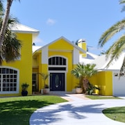 Mikey's Beach Place - 75 Yards To Our Beautiful Beaches & Dunes; Heated Pool!