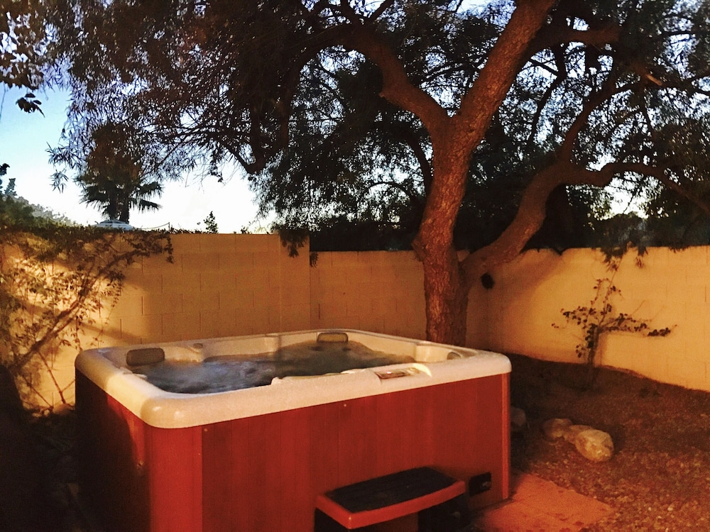 Roomy Tucson Home Base With Large Private Hot Tub in Tucson | Hotel ...