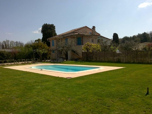 Chateauneuf: House / Villa - Chateauneuf