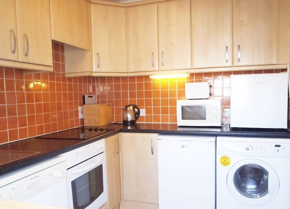Private Kitchen, 2 Bedroom Courtyard House Located in Courtown Harbour
