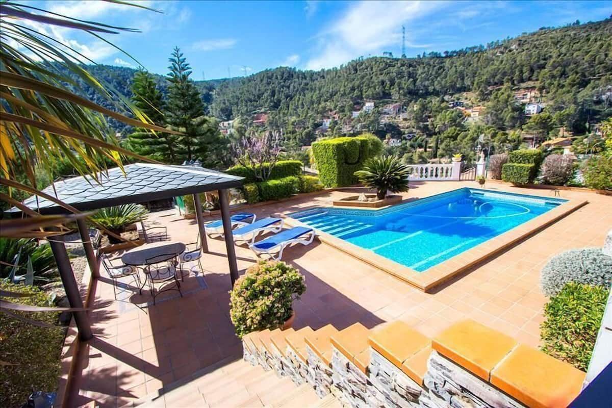 Catalunya Casas Mountain Villa In Torrelles With Pool 25 Km From Barcelona Barcellona Spagna Expedia It