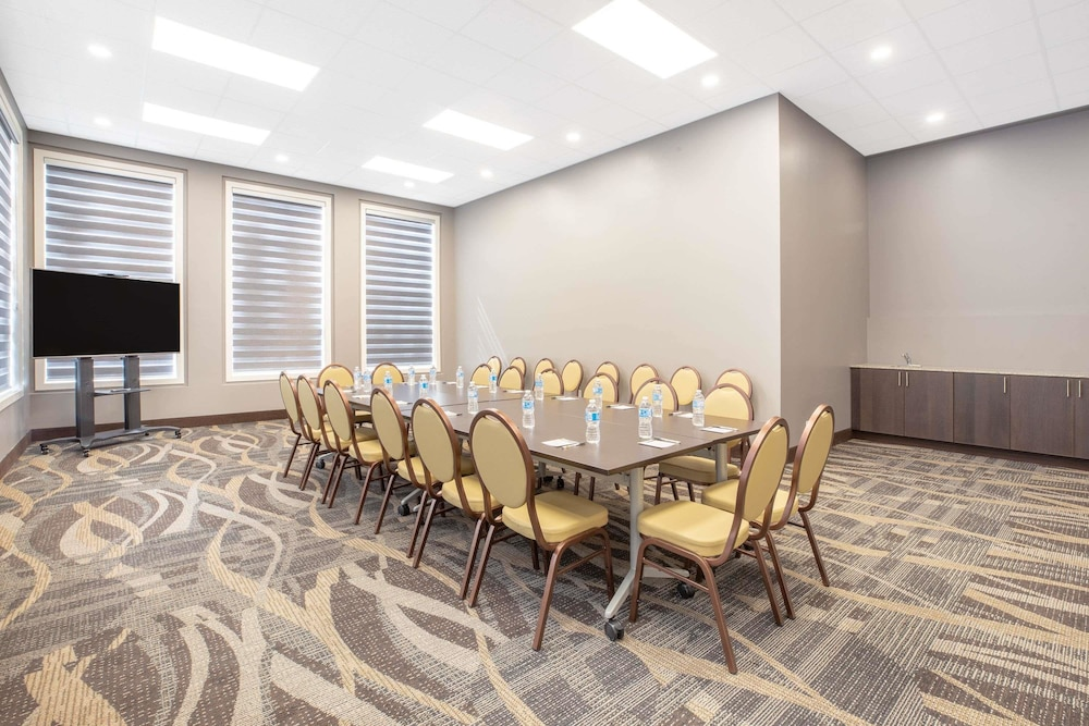 Meeting Facility, Super 8 by Wyndham Canmore