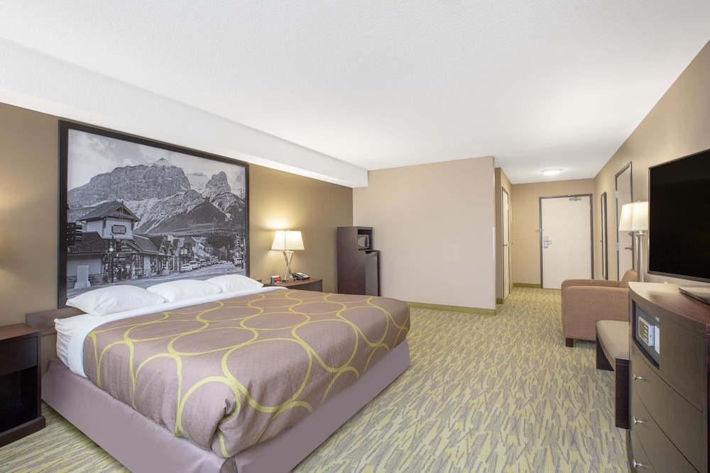 Room, Super 8 by Wyndham Canmore