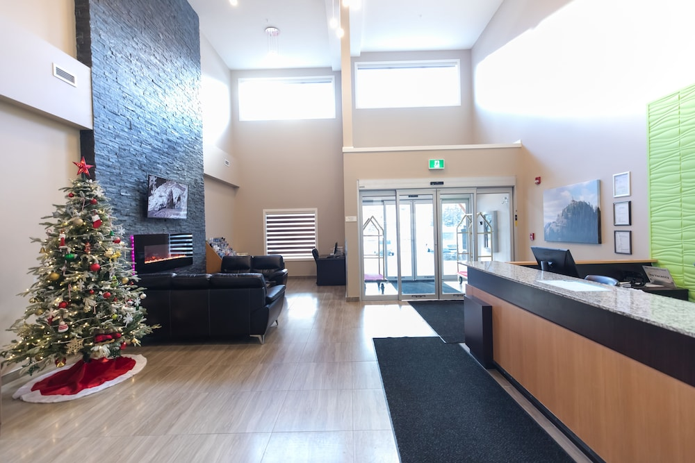 Lobby, Super 8 by Wyndham Canmore