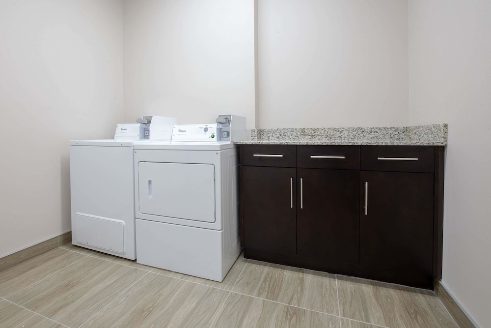 Laundry Room, Super 8 by Wyndham Canmore