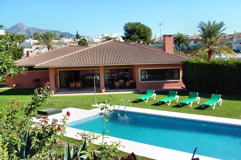 Holiday Villa With 5 Br Guest Apartment Swimming Pool Casino Puerto Banus In Marbella Hotel Rates Reviews