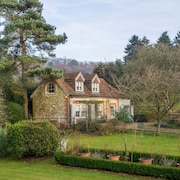 The Coach House Near Sevenoaks in a Quiet Location With Views Across Gardens, Paddock and Farmland