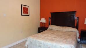 3 bedrooms, premium bedding, iron/ironing board, free WiFi